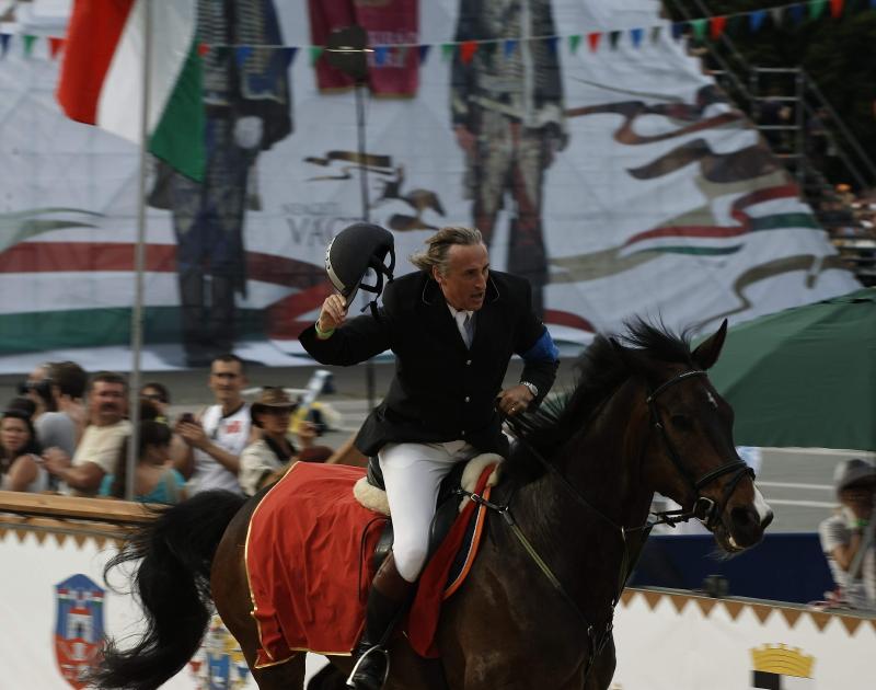 Sasvári Sándor is nyeregbe száll a Nemzeti Vágtán